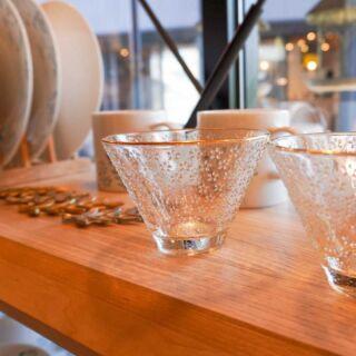 【小名浜テラスハウス】インテリアショップMiacasa  お店のディスプレイ変更しました🕊🌿  涼しげなグラス各種ございます✨  🐇🐿🦔  お気に入りの雑貨で生活に彩りを☺️🍀 気になるものがございましたらお取り置きが可能です。 お気軽にInstagramDMよりご連絡ください  ------------------------------  インテリアショップMia Casa   ミアカーサ ☞ @miacasa_concept 次回OPENはInstagramでお知らせします  ------------------------------  #miacasa_concept #インテリアショップMiaCasa #福島#iwaki #いわき市カフェ #いわき市 #ガラス食器のある暮らし #インテリア #アンティーク家具 #アンティーク雑貨 #ベビー雑貨販売中 #アンティークショップ #ビンテージ雑貨ショップ #雑貨好きと繋がりたい #暮らしを楽しむ #おうち時間 #イタリア家具 #オーダー家具 #小名浜テラスハウス